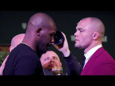 UFC 235: Jon Jones vs. Anthony Smith Presser Staredown  – MMA Fighting